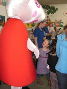 Ruby meets Peppa Pig at Forbes Library