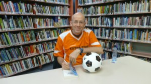Morris in soccer top signing books (Small)