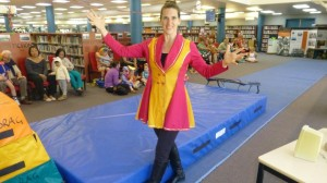 Circus RIngmaster and Storyteller Fiona introduces the Circus Troupe
