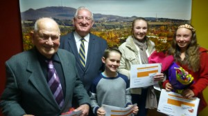 Banjo Paterson Writing Awards Presentation Neville Mayor Cr Davis, Mitchell, Mary and Jemimaa